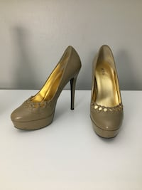 Beige High Heel Shoes - sz 8 Burnsville, 55337