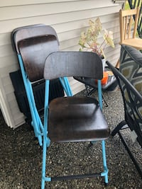 Folding counter top chairs