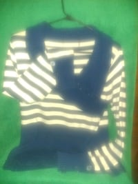 Blue n white gently used sweater Indianapolis, 46221
