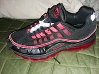 unpaired black and red Nike running shoe Plant City, 33563