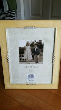 Picture frame  North Saint Paul, 55109