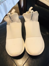 pair of white leather open-toe sandals Annandale, 22003
