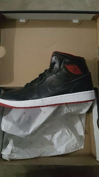 retro black air jordan 1 in box Pompano Beach, 33321