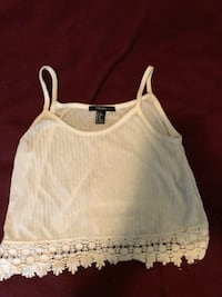Cute white loose crop tank Burnaby, V5B 2N7