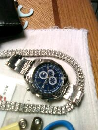 round silver chronograph watch with link bracelet Belleville, 62226