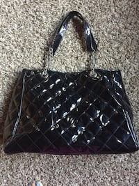 Black Purse Chatham, N7L 3E5