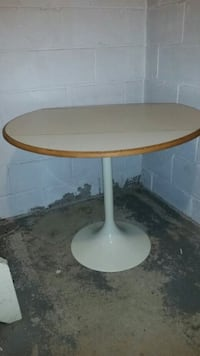 White and brown folding table wit 2 chair  Toronto, M6N