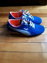 pair of blue-and-white Nike cleats Montréal, H4L 2X5