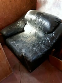 black leather  sofa Cavan, L0A