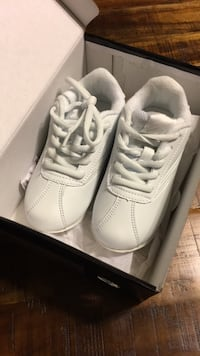Youth size 10 all white cheerleading shoes- NEVER WORN! Upper Marlboro, 20774