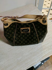 Authentic Louis Vuitton Women bag Montgomery Village, 20886