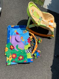 Baby's green and blue bouncer Woodbridge, 22191