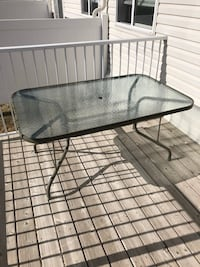 Glass Patio Table Calgary, T3K 0T1