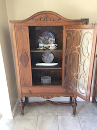 Antique Dark Oak Credenza or China Cabinet. 1910 Aurora, L4G 7K5