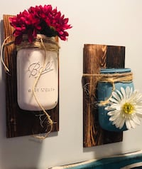 Two white and brown ceramic vases Thomasville, 27360
