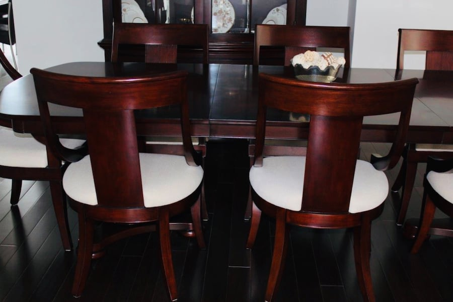 Dining set: table, buffet 8 chairs 172971be-63df-4927-bf8f-737cb024a770