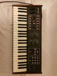 sequential six trak vintage synth  London, W4 1DX