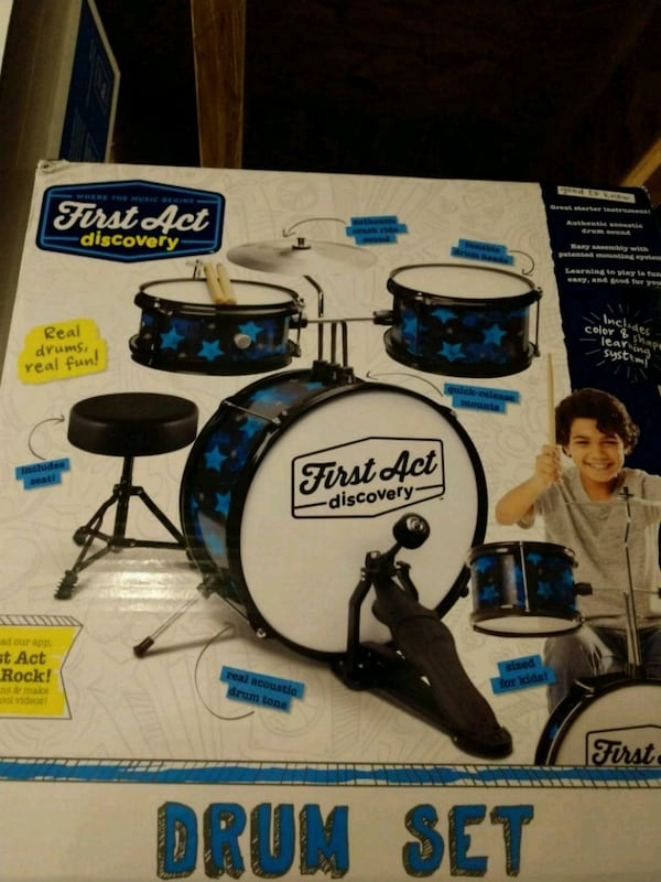First Act Drum set a2bf18bb-6138-4beb-903f-c1f72e10688c