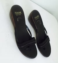 pair of black leather flats 793 km