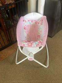 Baby bouncer(missing power cable)-price firm  Fredericksburg, 22407