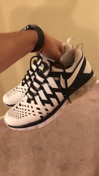 Nike Fingertrap Max Size 10.5 Houston, 77096