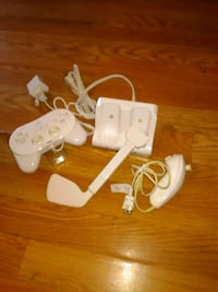 several white Nintendo game controllers Newport, 37821