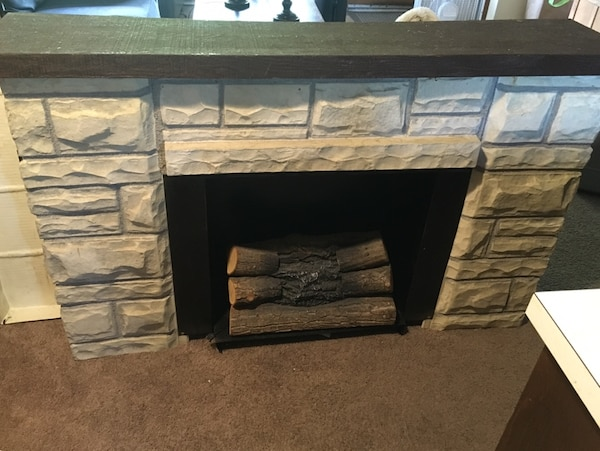 Used Free No Heating Electric Fireplace Lights Up And Makes Fire