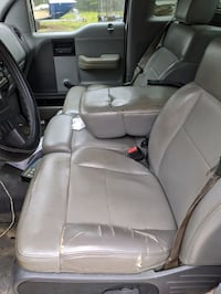 2007 Ford F-150 XL Regular Cab 126-in Styleside Chester