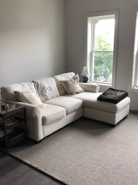 Pottery Barn Couch 4 Sale null