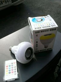 Bluetooth bulb speaker new in box with remote 48 km