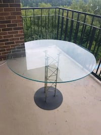 Beautiful glass table Laval, H7W