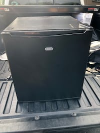 It's a mini fridge rarely been used works perfect inside gets cold and keeps everything cold. The left side has scratches cause I just took it out of my dorm and into my Toyota but is all brand new. You can test it out to see if it doesn't work  4722 mi