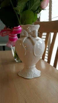 Country Flower Vase Oakville, L6H 7A3