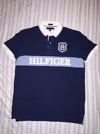 Tommy Hilfiger T-Shirt, Used but in perfect conditions MONTREAL