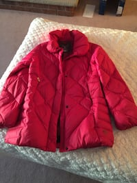 Mountain Hardwear Down filled coat