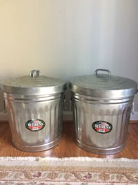 10 Gallon Utility/Trash Cans - 2 Alexandria