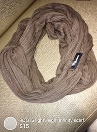 ROOTS lightweight infinity scarf London, N5W 6E2
