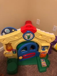 Fisher price playhouse  Raleigh, 27617