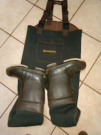 black leather cowboy boots with box Claremont, 28610