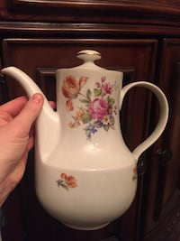 White and pink floral ceramic teapot Jackson, 08527