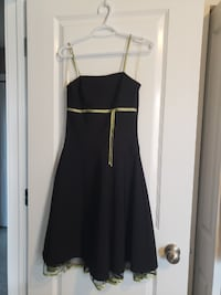 size 3-4 dress, black with green trim, sleek and fun, spaghetti strap Calgary