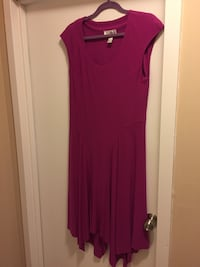 red scoop-neck sleeveless dress Richmond Hill, L4E 4L6