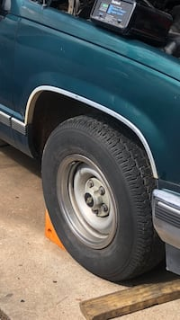 Chevy / gmc  5 lug wheels and tires  Houston, 77034