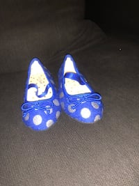 Lot of toddler girl shoes size 5-6 5$ each Florissant, 63031