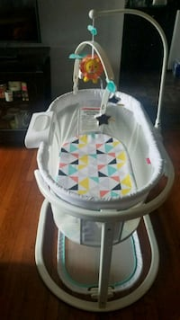 Fisher Price soothing bassinet