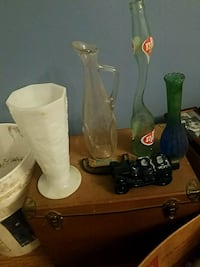 two clear glass candle holders Memphis, 38114