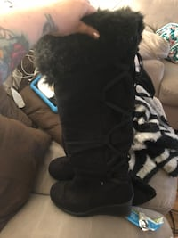 Black lace up fur boots  Modesto, 95350
