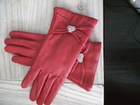 pair of women's red leather gloves Newmarket, L3Y 4M7