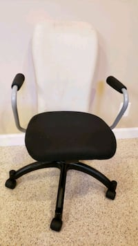Swivel adjustable cushipned office chair Laurel, 20723