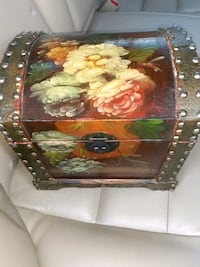 Beautiful little painted wooden chest